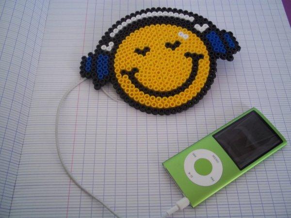 Smiley coute de la muscique perle a repasser - Smiley perle a repasser ...