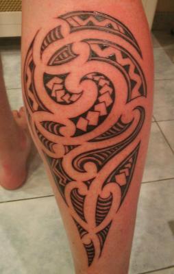 pin tatouage mollet maori on pinterest. Black Bedroom Furniture Sets. Home Design Ideas